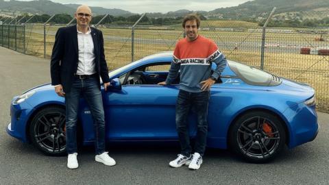 Alonso con un Alpine A110S