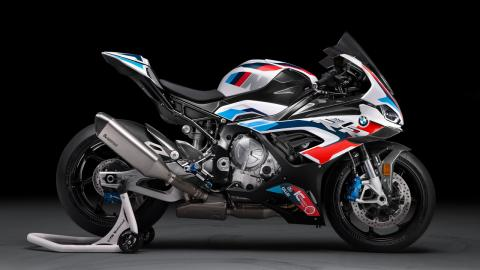bmw-m-rr_lateral