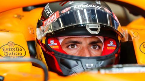 Sainz casco McLaren F1