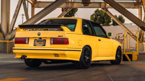 BMW-M3-trasera