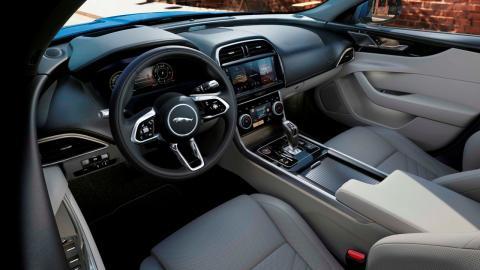 Jaguar XE 2021 interior