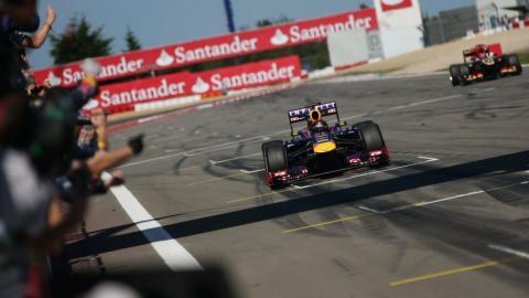 Sebastian Vettel gana en Nurburgring