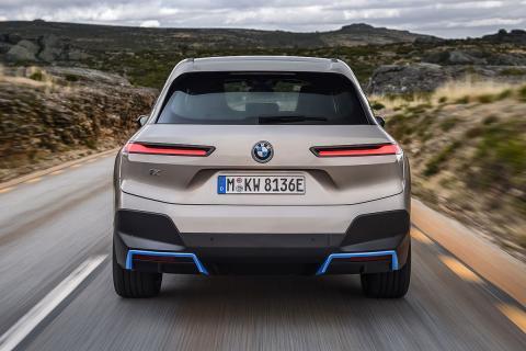 BMW iX zaga
