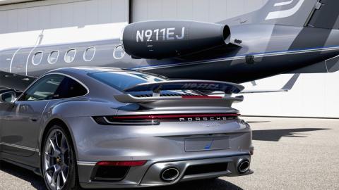 Galería: Embraer jet y Porsche 911 Turbo S edición especial