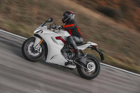 Nueva Ducati 950 Supersport 2021