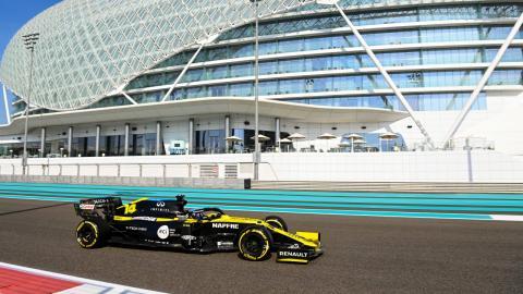 Alonso en el test de Abu Dhabi 2020