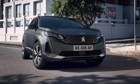 Peugeot 3008 o Nissan Qashqai 2021,