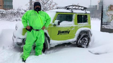 El Suzuki Jimny ejerce de vehículo de emergencia