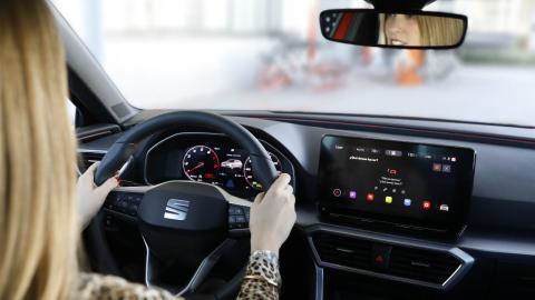 Más conectados, pero menos seguros: así frenará tu coche a los hackers
