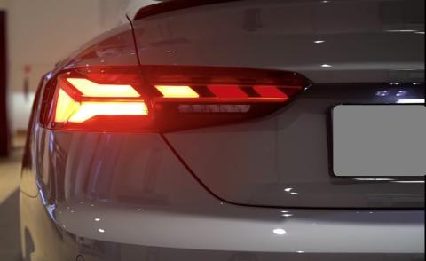 Un español inventa unos faros inteligentes traseros que podrían multiplicar la seguridad de los coches