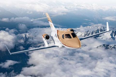 Honda Jet Elite S Business Jet volando