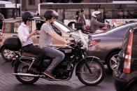La DGT recuerda el gran peligro de los coches para las motos