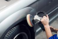 Pulir coche con pulidora