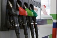 Canadá prohibirá vender coches de combustión en 2035 gasolinera