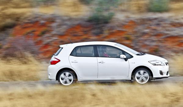 Toyota Auris híbrido lateral