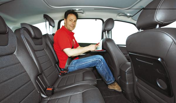 Ford S-Max 2.0 TDCI asientos traseros