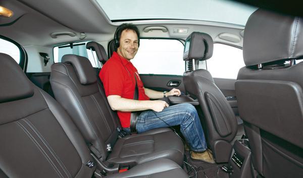 Peugeot 5008 2.0 HDi asientos traseros