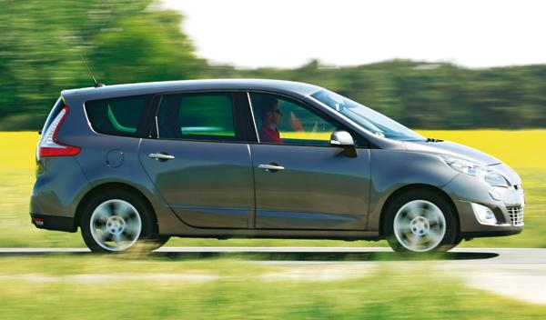 Renault Grand Scénic 2.0 dCi lateral