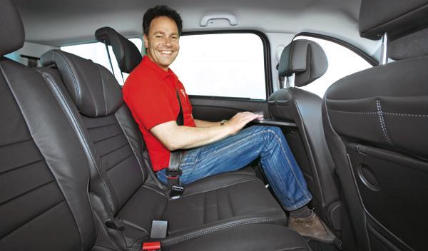 Renault Grand Scénic 2.0 dCi asientos traseros