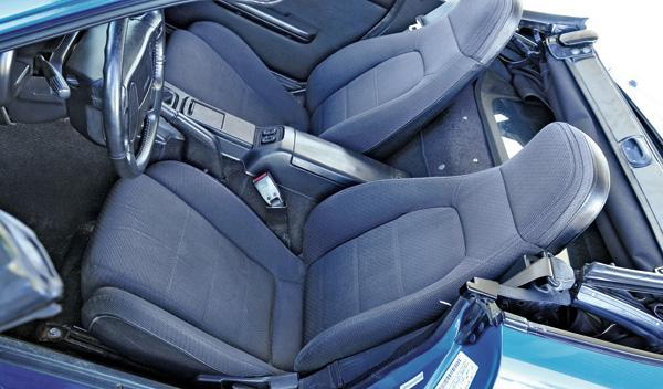 Mazda MX-5 asientos