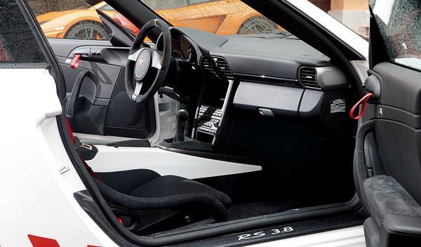 Porsche 911 GT3 RS habitáculo