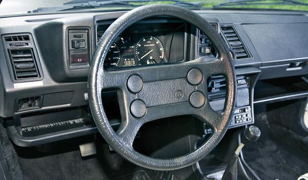 Volkswagen Scirocco II salpicadero