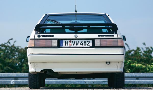 Volkswagen Scirocco II trasera