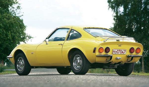 Opel GT trasera