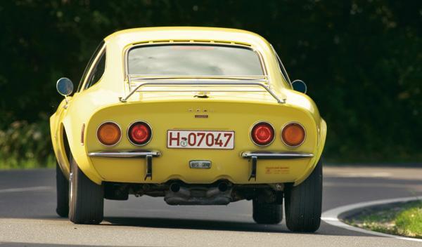Opel GT salpicadero