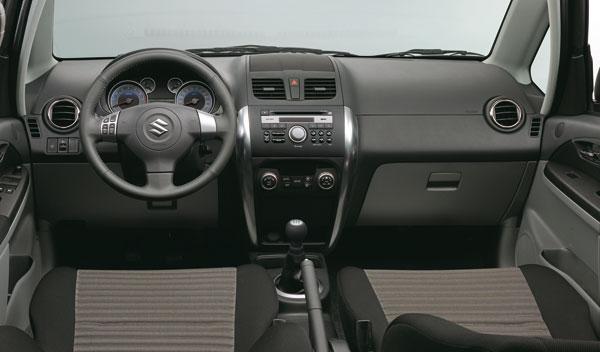 Fotos: El Suzuki SX4 estrena restyling