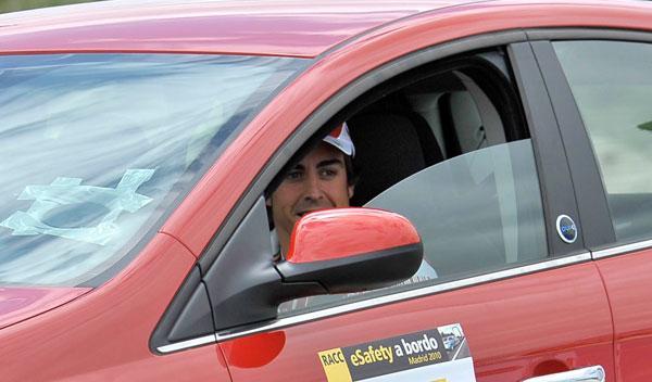 Fotos: Fernando Alonso, embajador de la seguridad