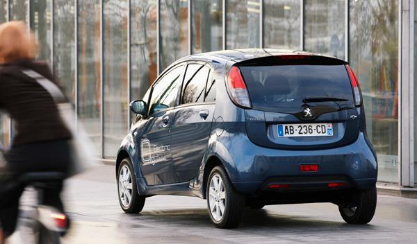 Fotos: Peugeot ion: hasta 100 kilómetros por 1,5 euros