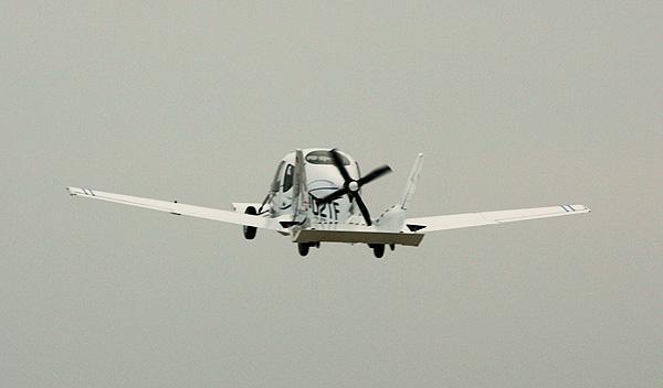Fotos: El 'Coche Volador', cada vez más cerca
