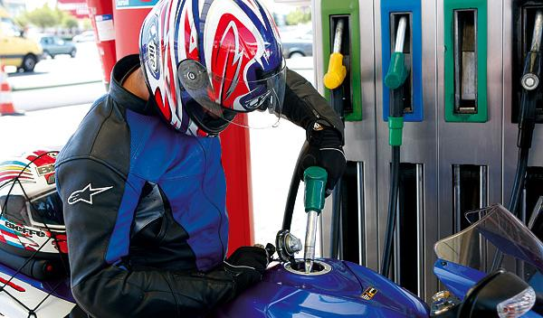 Gasolinera motorista