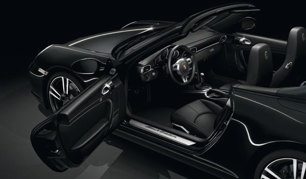 Porsche 911 Black Edition coupé interior