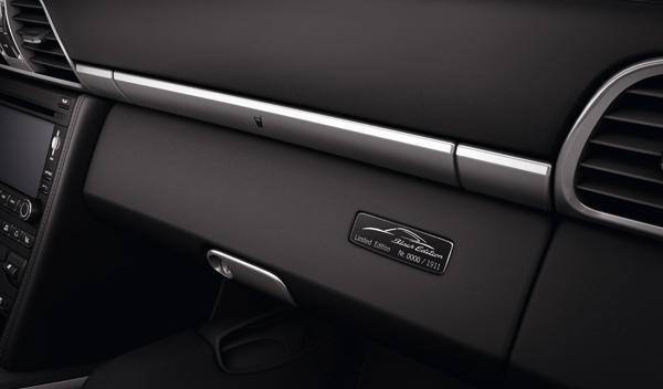 Porsche 911 Black Edition guantera