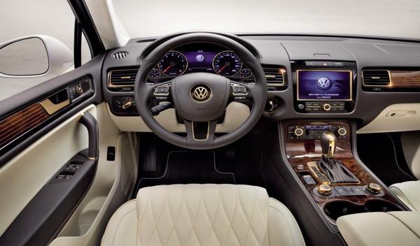 VW Touareg Gold Edition interior-1