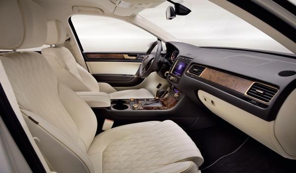 VW Touareg Gold Edition interior-2