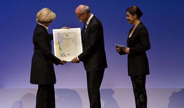 Dieter Zetsche, patente conmemorativa
