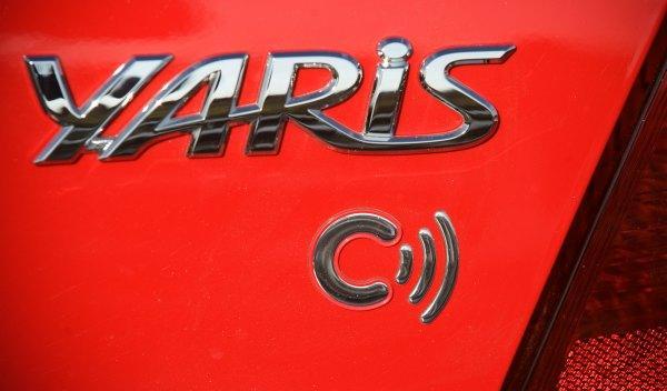 Toyota Yaris Connect 2011 logo