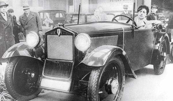 80-años- primer-modelo-traccion-delantera