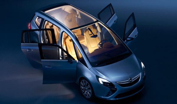 Opel-Zafira-Tourer-Concept-exterior-techo-parabrisas-panorámico