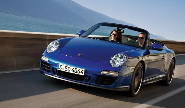 porsche-911-gts-408-cv-cabrio-frontal