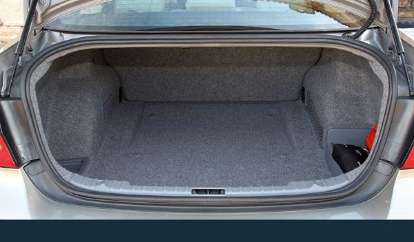 BMW 318d maletero 460 litros