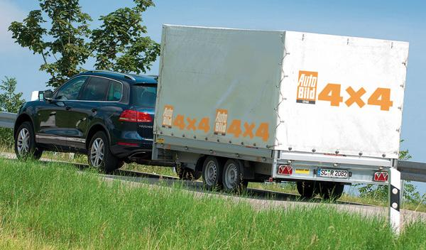 Volkswagen touareg híbrido zaga SUV remolque