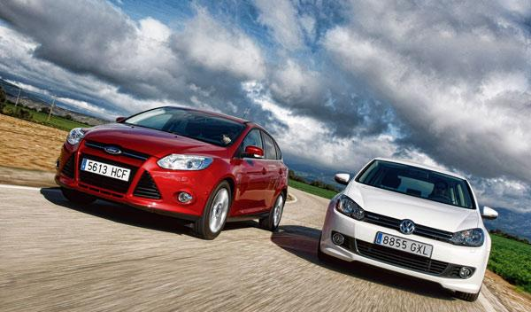 ford-focus-volkswagen-golf-movimiento-frontal