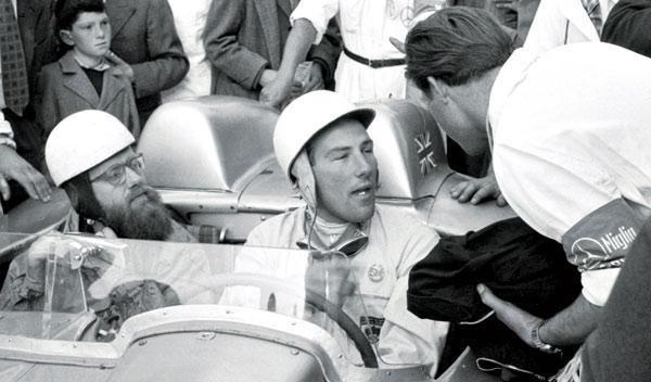 Stirling Moss y Denis Jenkinson en el 300 SLR