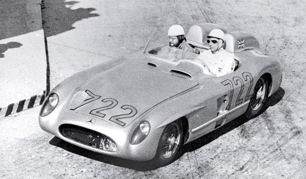 Stirling Moss con el SLR con el número 722