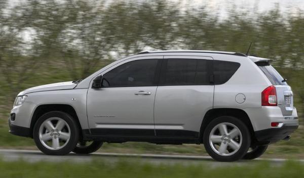 Jeep Compass lateral