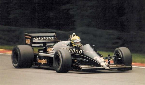 Senna-con-el-Lotus-en-GP-del-Reino-Unido-de-1986